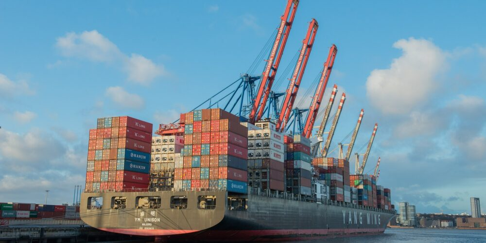 container-ship-596083_1920